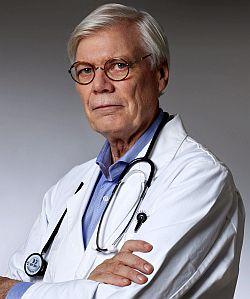 Björn Bragée menar att risken att skadas av epidural är väldigt liten.