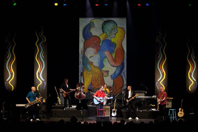 2010 firade Robert Broberg 50 år på scenen och 70 år i livet, något han uppmärksammade med denna show på Cirkus. Foto: Michael Johansson
