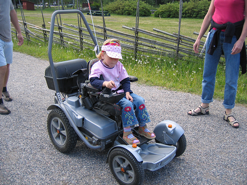 Inez fick sin första rullstol när hon var två år