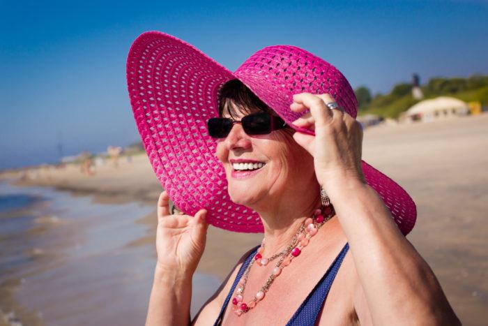 Solens strålar skadar ögonen mer än mat tror, detta beror på att ögonen inte har ett varningssystem såsom huden.