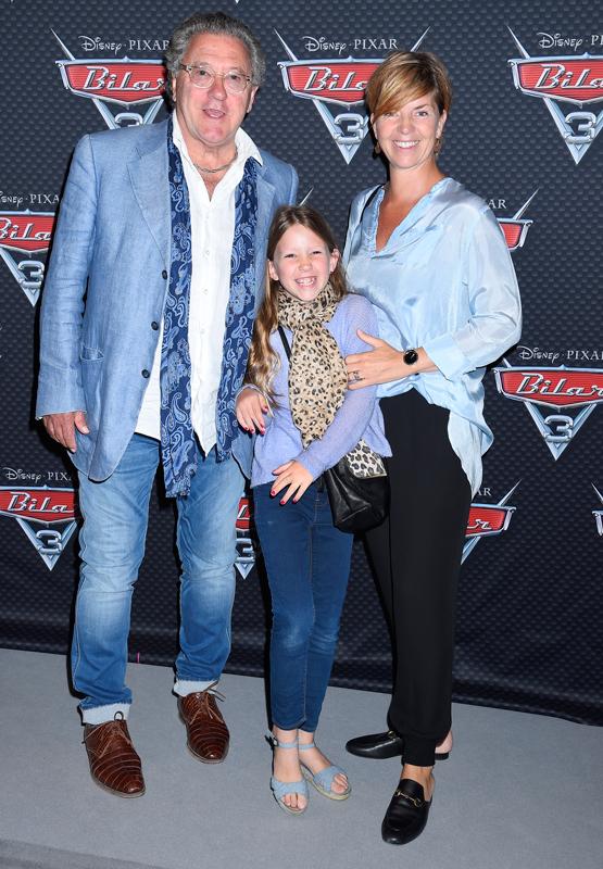 Tommy Körberg tillsammans med frun Anne-Charlotte Körberg med dottern Elvira.