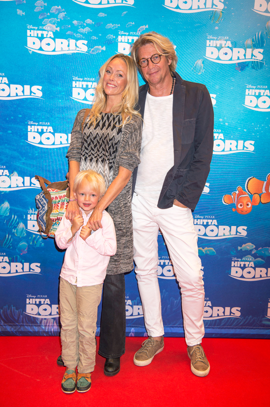 Tommy Nilsson med sambon Linda Olsson och sonen Tim 2016.