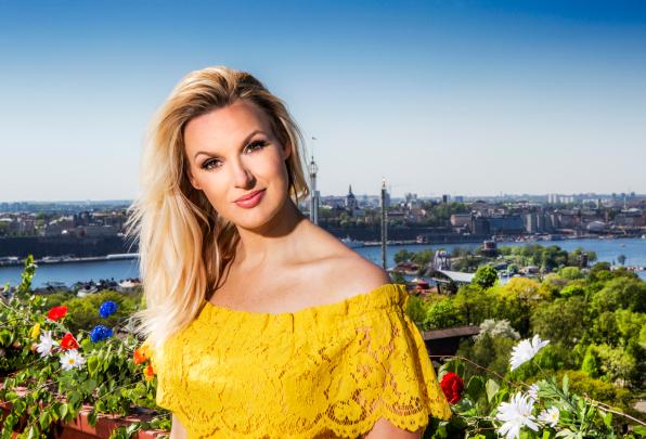 Programledaren för Allsång på Skansen 2018 Sanna Nielsen.