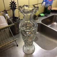 Den rena vasen efter att rengöringen fått verka.