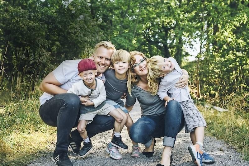 Hela familjen Wernerman-Richardson: Miles, pappa Jakob, Drake, mamma Leah och Clementine.