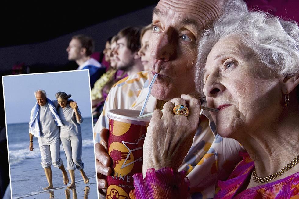 Äldre par på bio och på stranden.