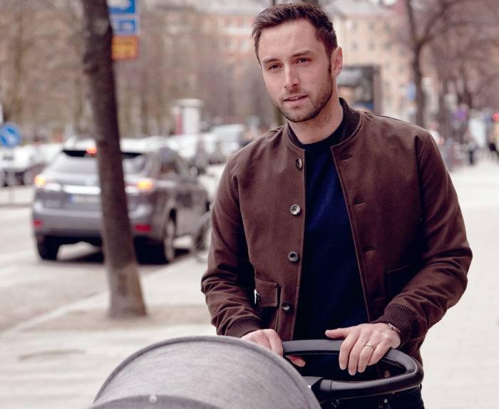Måns Zelmerlöw med barnvagn