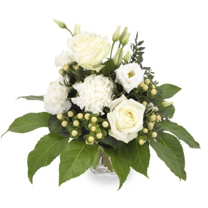 Blombukett med vita blommor