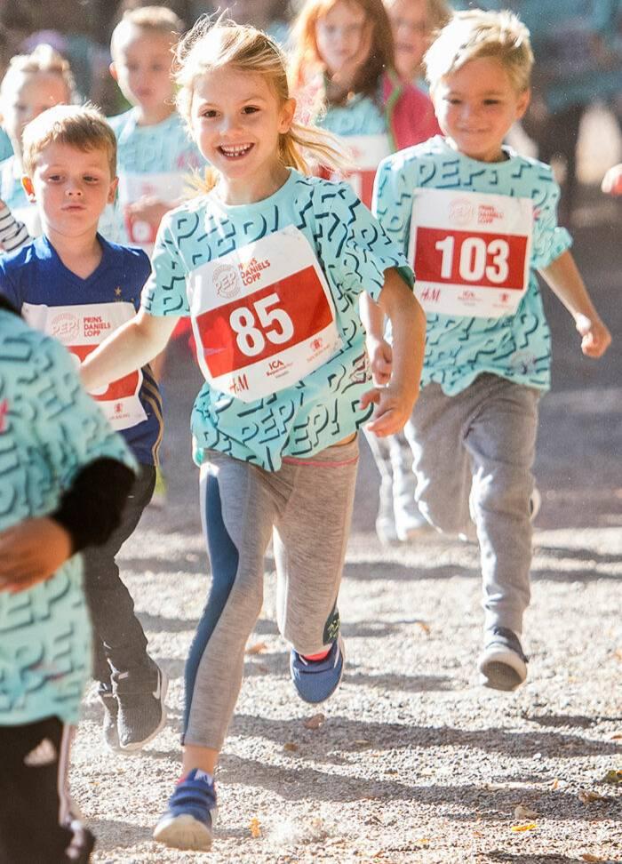 Estelle springer Prins Daniels lopp i Hagaparken.
