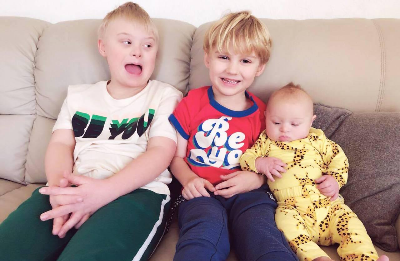 Julian, 10, Aldos, 4, och Walter, sex månader