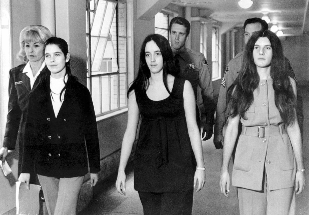 Leslie Van Houten, Susan Atkins och Patricia Krenwinkel den 19 november 1970.