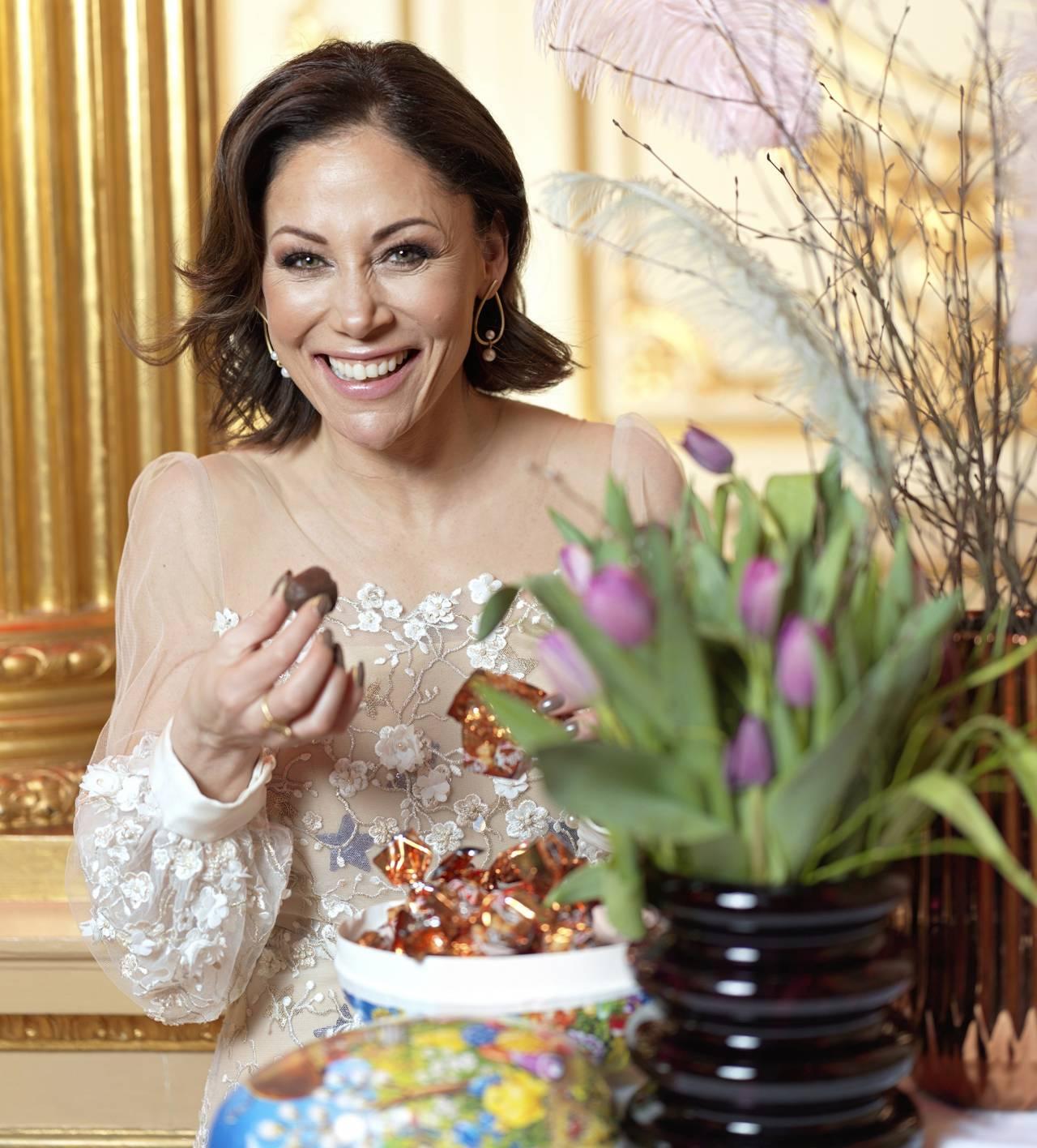 Tilde de Paula äter påskgodis