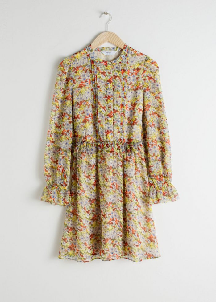 02cab5314c21 Liknande klänning i en kortare modell. Läs mer och köp här (reklamlänk via  Adtraction) .
