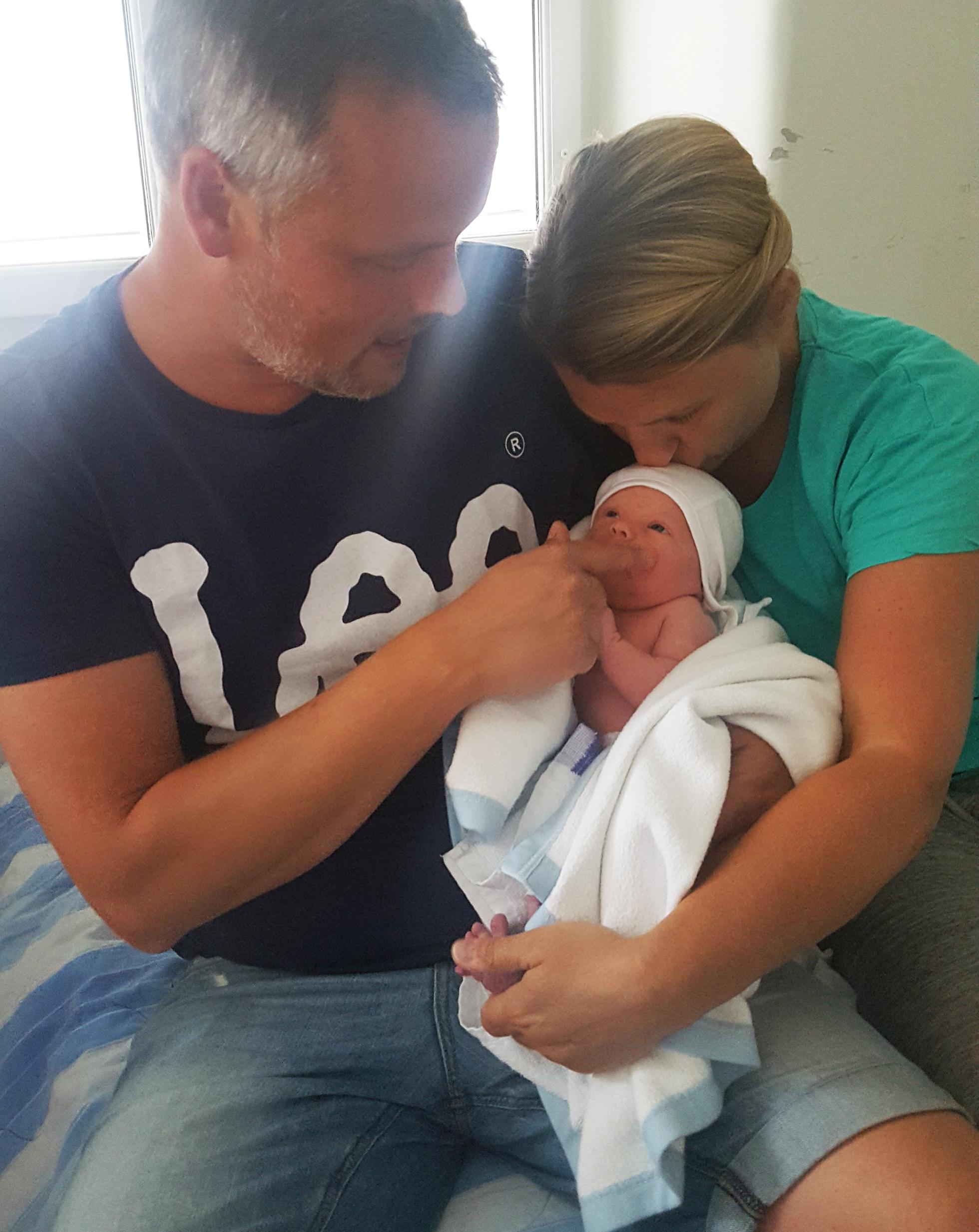 Jesper, Hannah och nyfödda Ebba