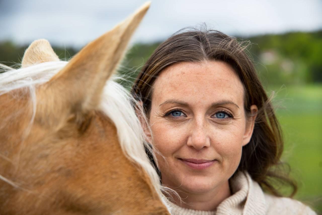 Sanna och hästen Ninna.