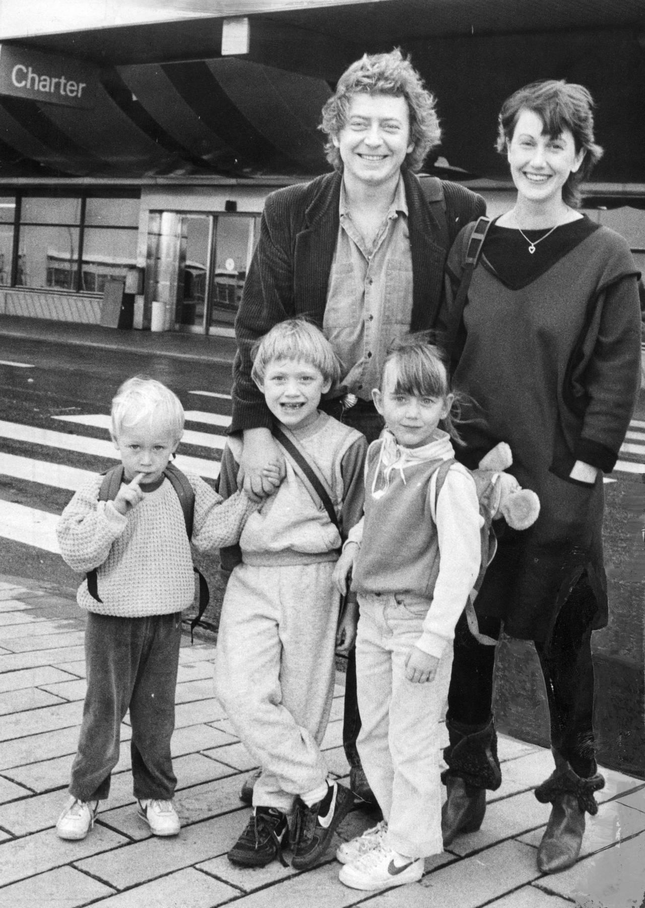 Sanna Lundell med pappa Ulf Lundell, mamma Barbro Lundell ochbröderna Love och Carl, 1984.