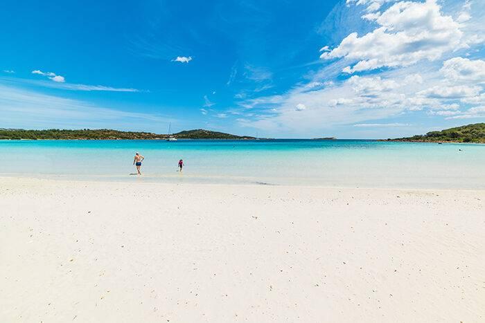 Cala Brandinchi på Sardinien är en instagramvänlig strand