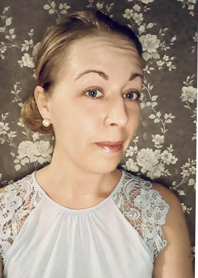 Porträtt av Lina, syster till mördade Emma