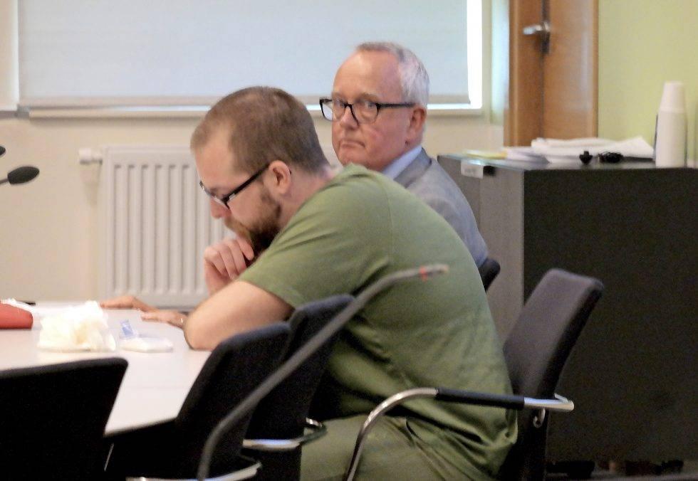 Jonas Runnemark tillsammans med sin advokat PerSchånberg under hovrättsförhandlingarna i Malmöi augusti 2019.