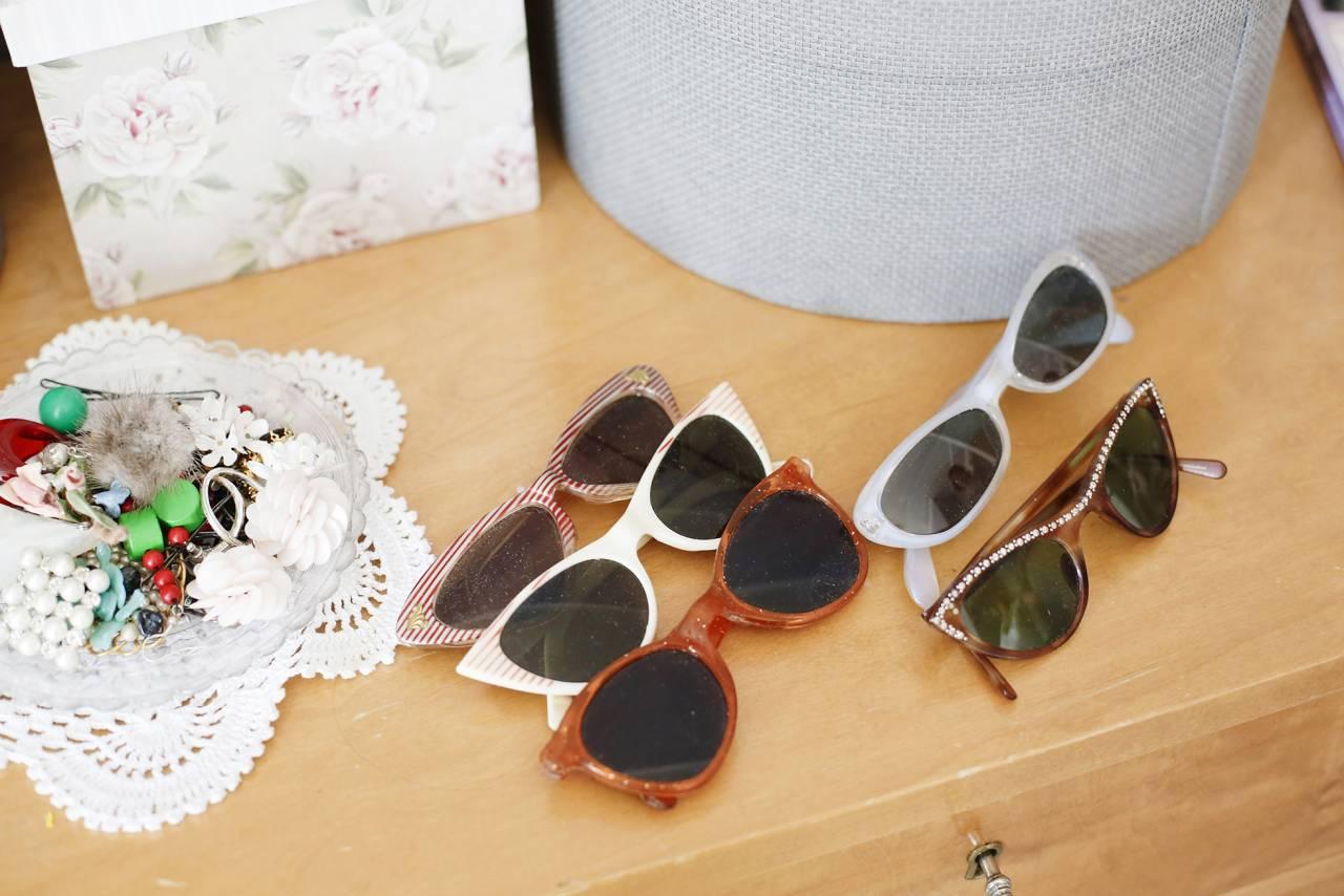 Solglasögon i retrostil