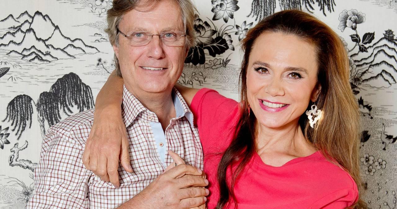 Lasse Hallström och Lena Olin.