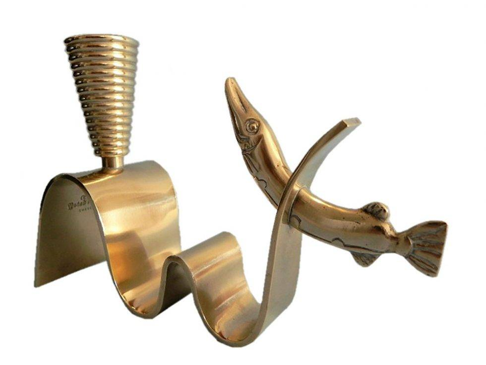 Mässingsljusstake designad av Carl Einar Borgström.
