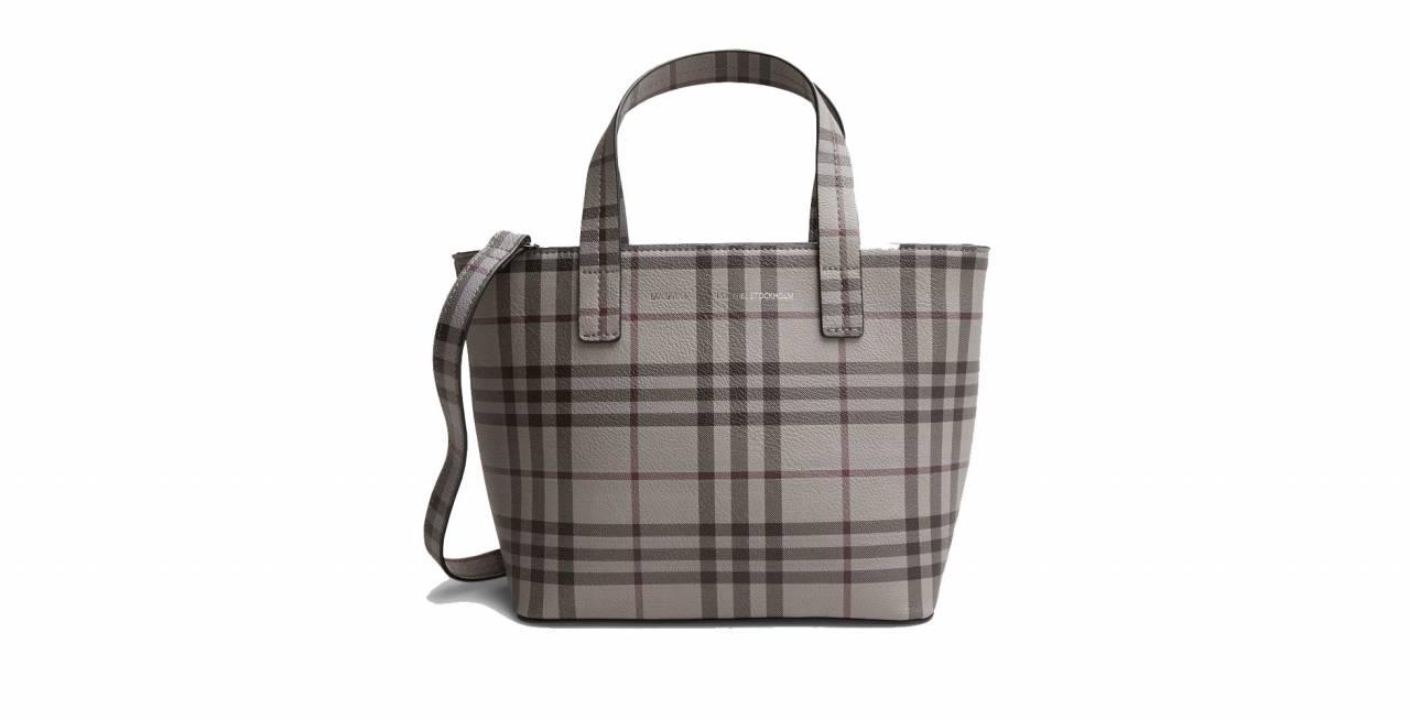 Rutig väska i gråa toner