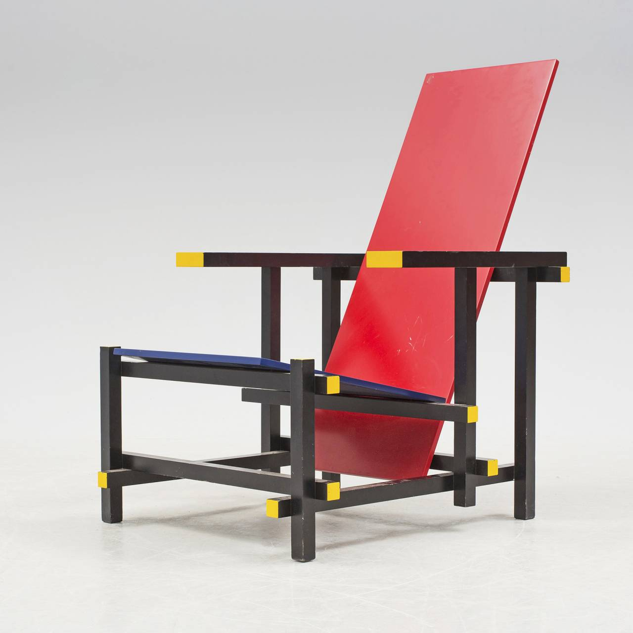 Den holländske arkitekten Gerrit Rietvelds Red and Blue Armchair