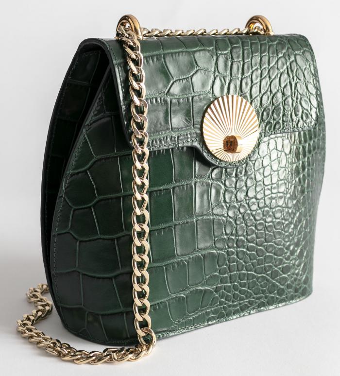 Grön krokopräglad väska med guldkedja, från & Other Stories