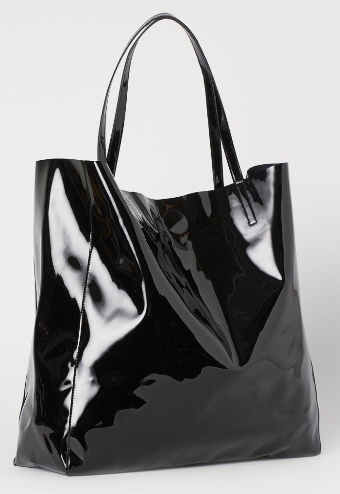 Svart lackväska från H&M