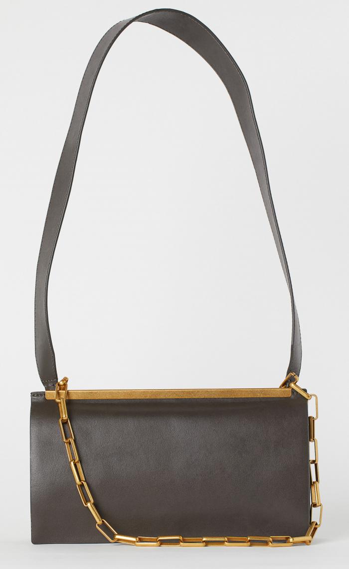 Skinnväska med guldkedja, från H&M