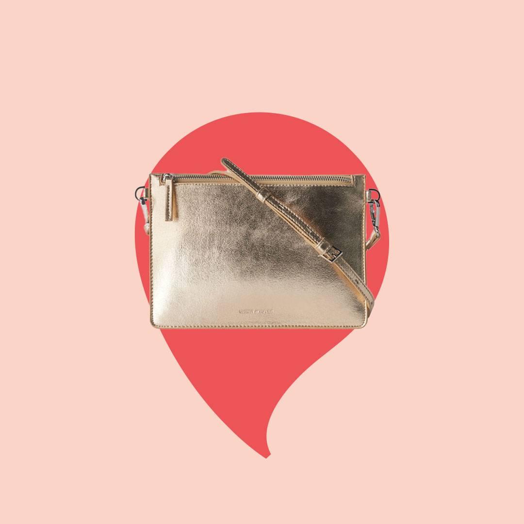 Guldig väska från Carin Wester