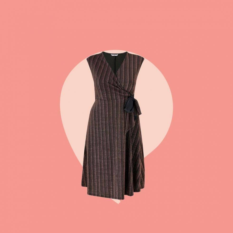 Ärmlös klänning omlott glittrig i större storlekar