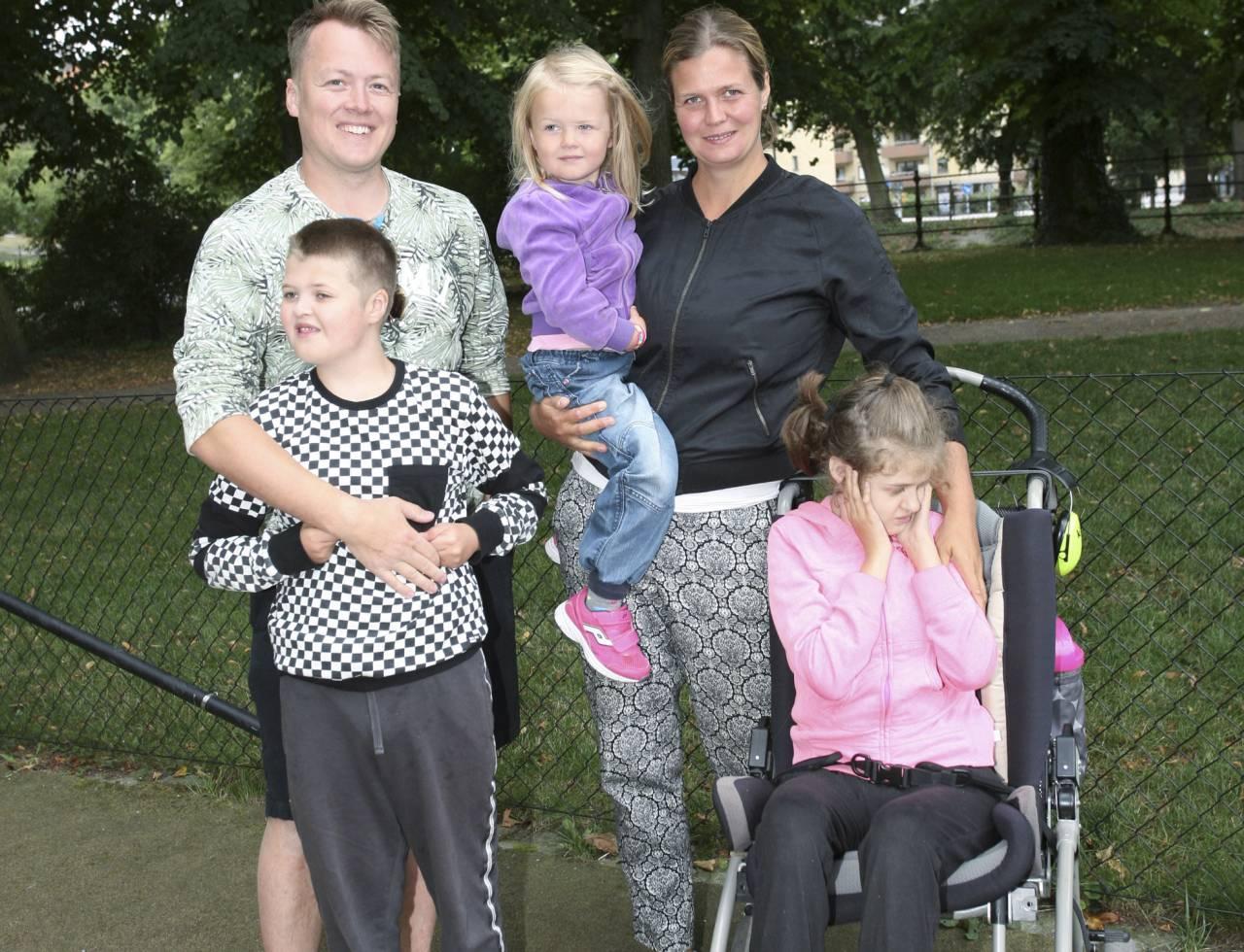 Familjen Westin: Reine och Helena med barnen Leo och Nova, som båda har Cohens, och så minstingen Maja som blir mer som en storasyster.