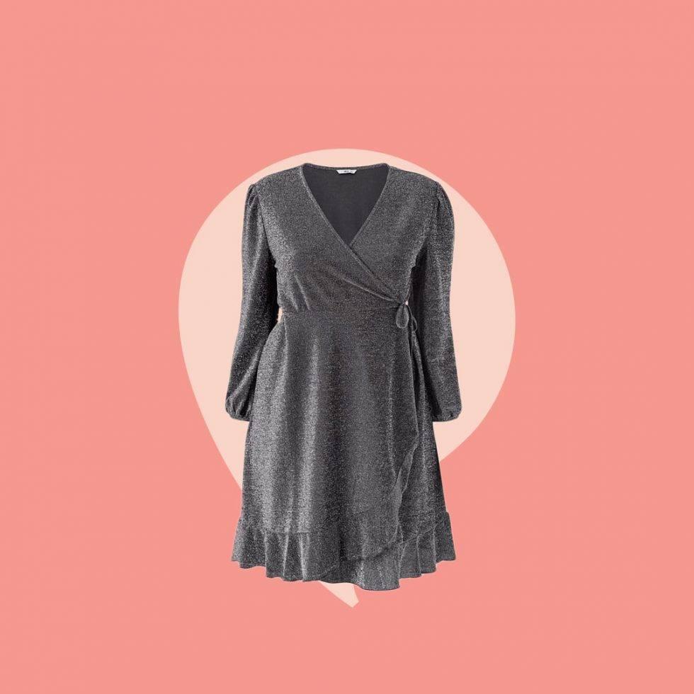 Glittrig klänning omlott upp till storlek 60.