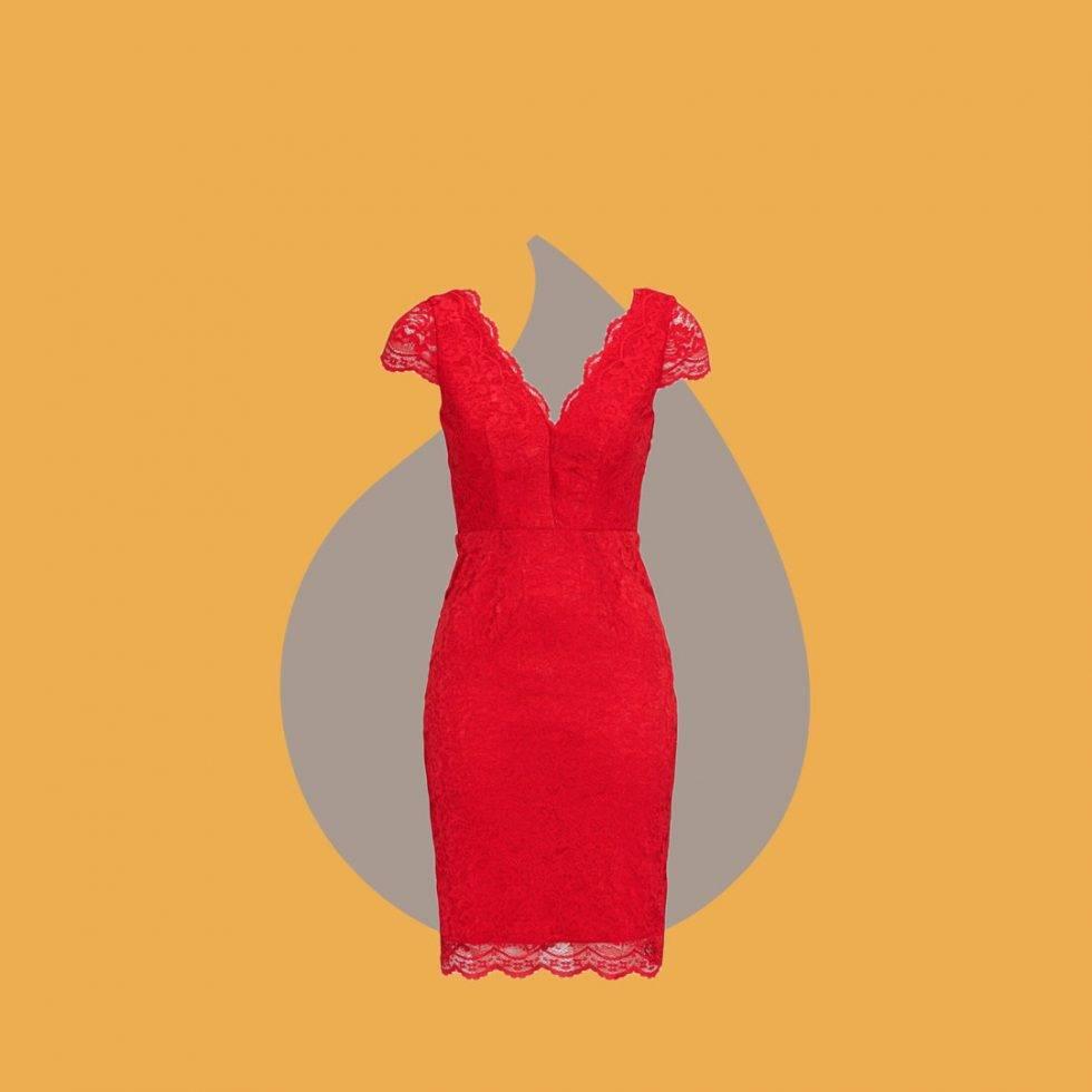Röd spetsklänning med djup v-ringning