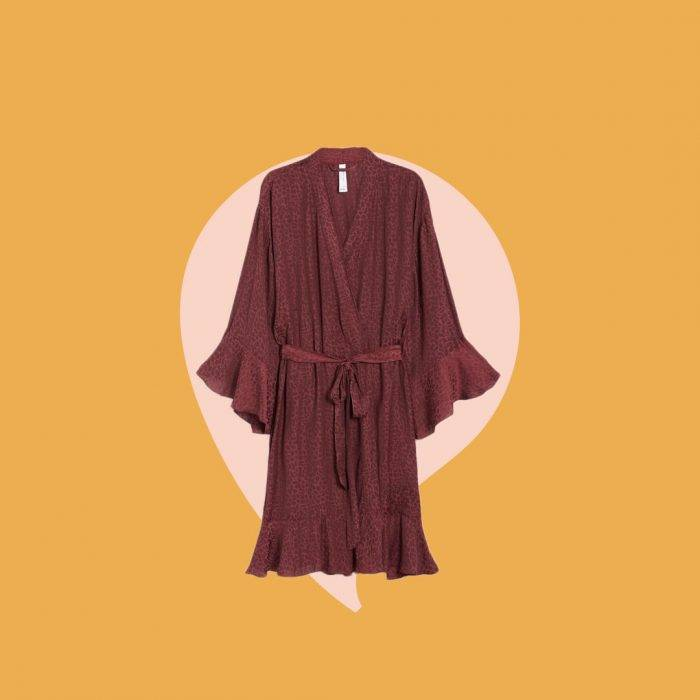 Röd kimono – en perfekt present till nyblivna mammor.