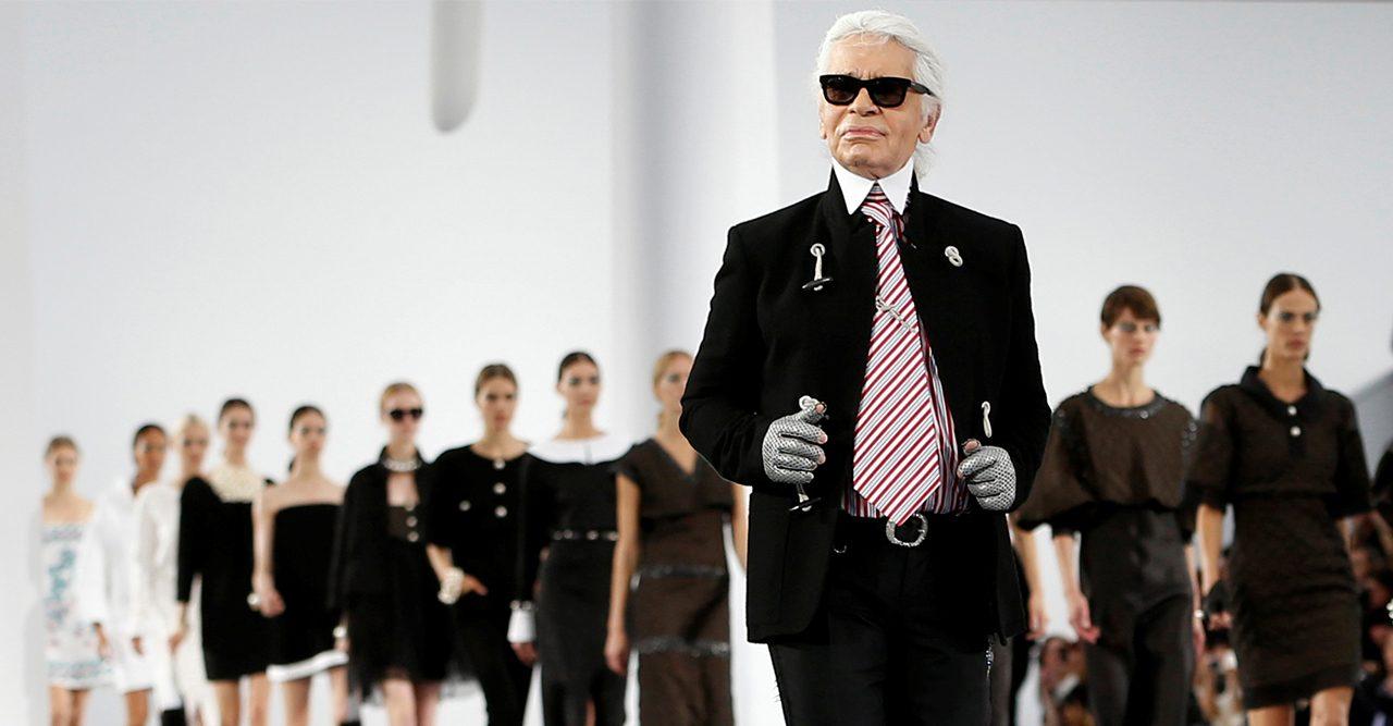 Så hyllas Karl Lagerfeld runt om i världen