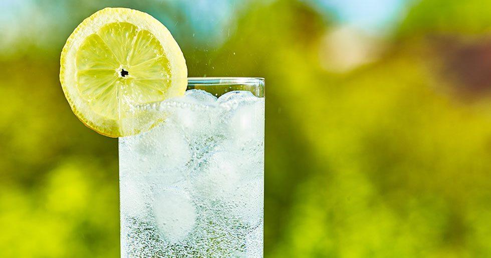 är det bra att dricka kolsyrat vatten