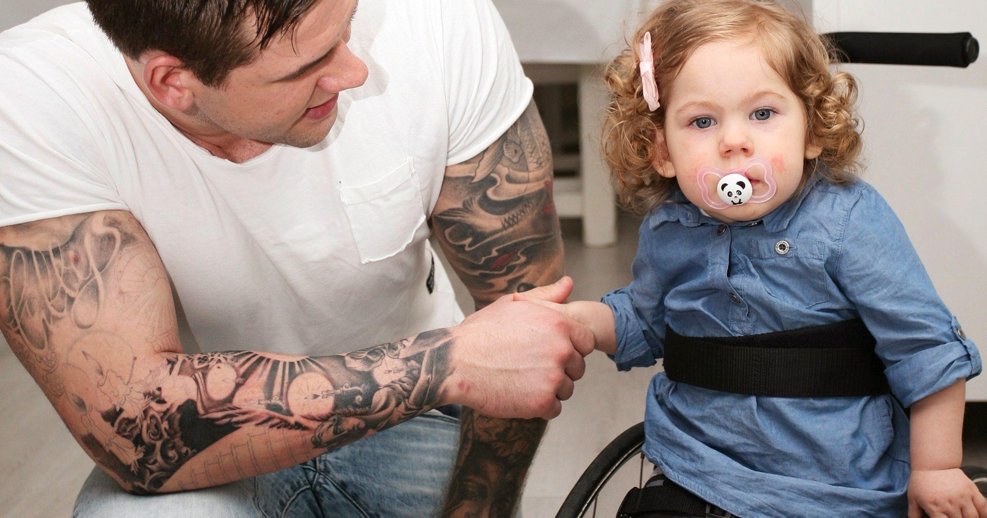 Elly med pappa Tobias.