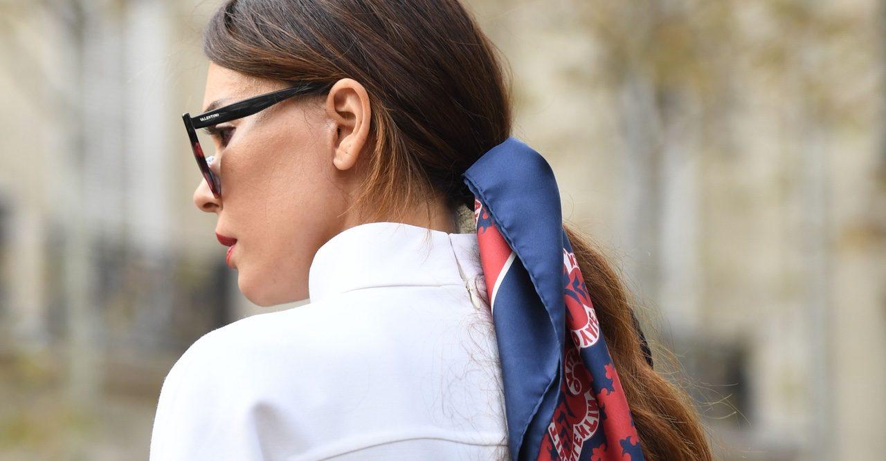 Styla håret med en scarf – 15 fina varianter i butik