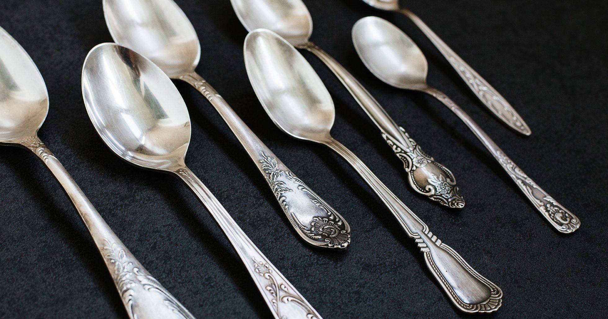 Vad är silverskedarna värda?