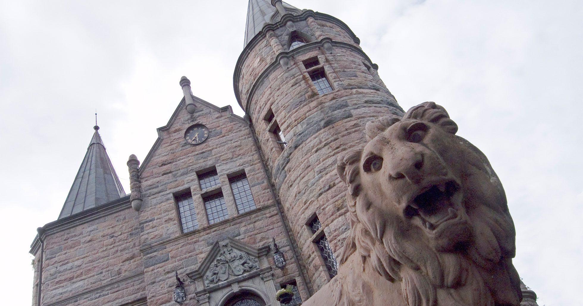 Teleborgs slott var värd för Stjärnorna på Slottet 2017 och 2018.