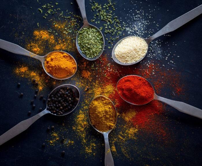 Packade med näring och smakrika –kryddor är perfekta i smoothies.