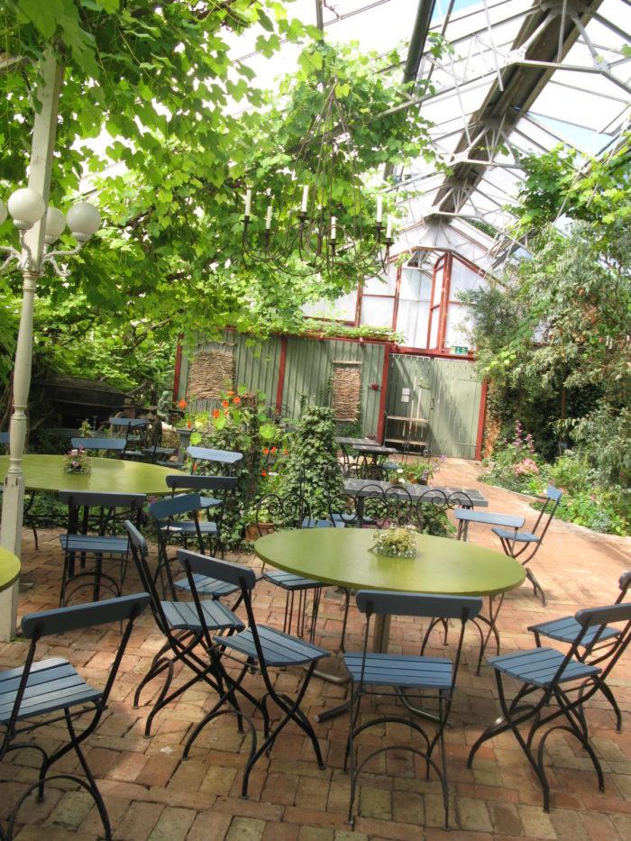 Backagardens café