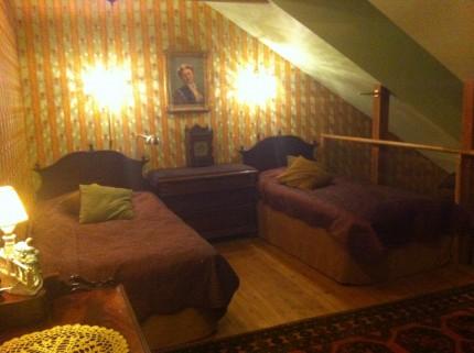 Här sov Ann och Made, övervåningen i Karlsökungens svit.