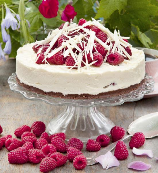 vit choklad och hallonmoussetårta