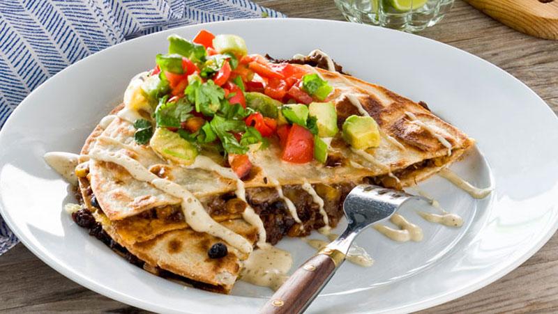 Quesadillas med vitlökssås