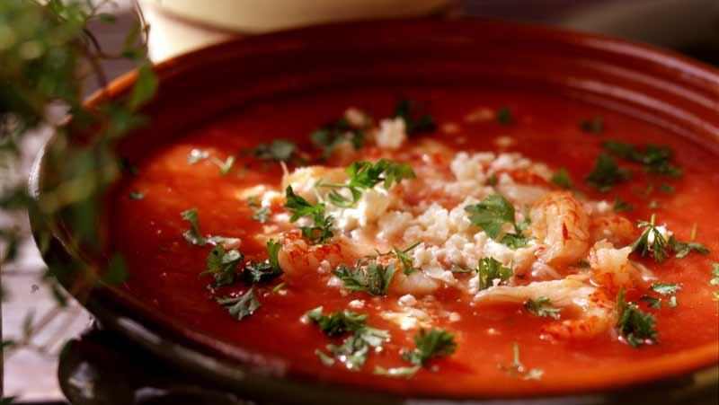 Tomatsoppa med kräftstjärtar