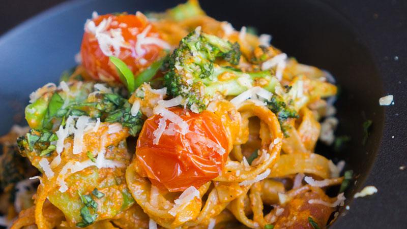 Lättlagad vegetarisk pasta med broccoli recept